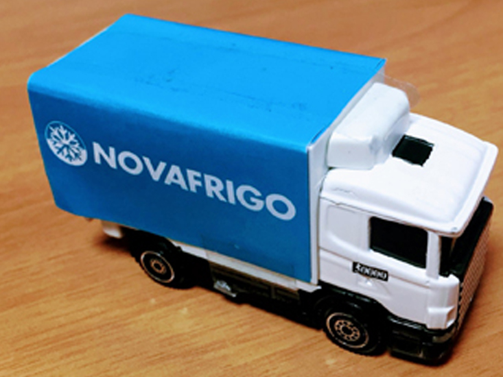 Camión Comercial Novafrigo productos congelados